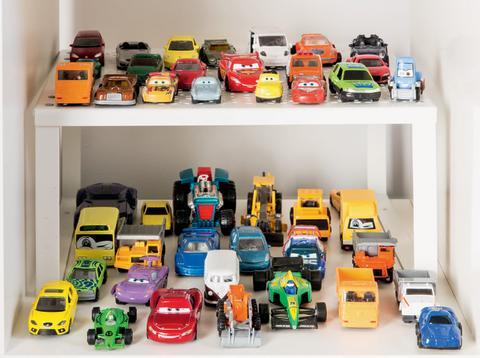 Småbilar med hyllinsats