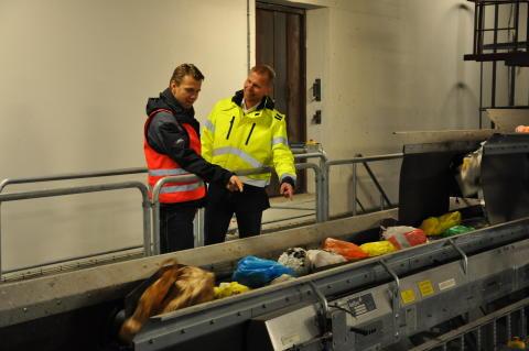 Återvinningscentralen Lilla Nyby lockar många besökare
