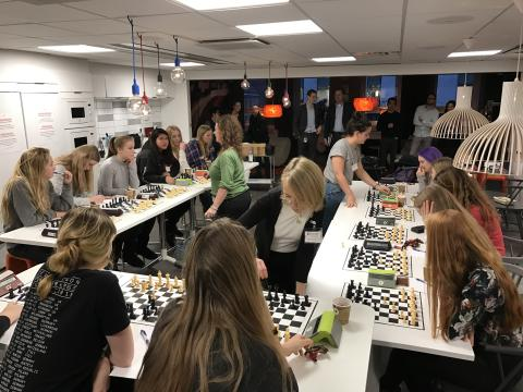 EnterCard supports female analytical talent by hosting Nordic Queens