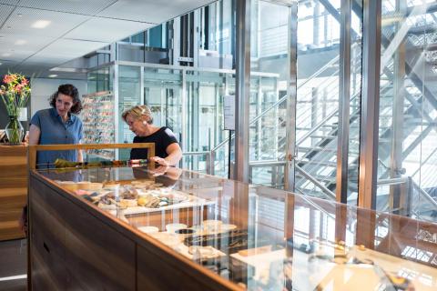 Franziska Bründler im Kunstmuseum Cafe