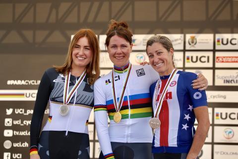 Anna Beck världsmästare i tempo under Paracykel-VM