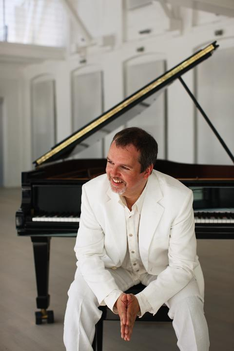 Niklas Sivelöv, piano – Steinway hall of fame