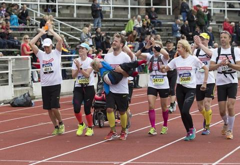 Team Nordmark - nekas deltagande i Stockholm Halvmarathon men startar eget lopp för ALLA