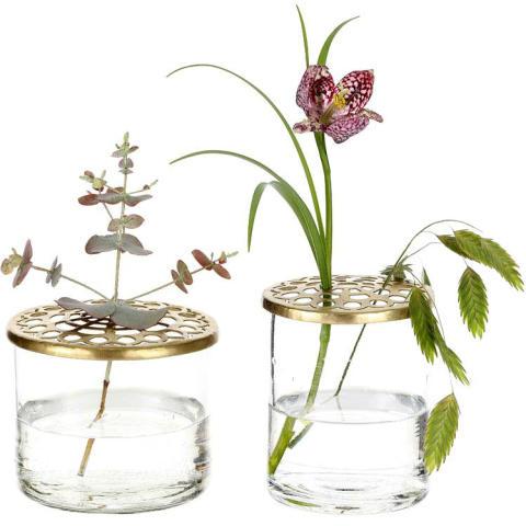 Vas med blomhållare
