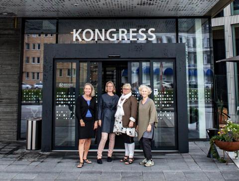 Carolina Ehrnrooth från Barnfonden, Sara Wettergren från Hungerprojektet, Monica Erwér från Svalorna samt Ann Svensén från IM hälsar välkomna till Skåne Global.