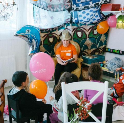 Rekord när second hand-butiker skänkte dagskassor till Världens Barn