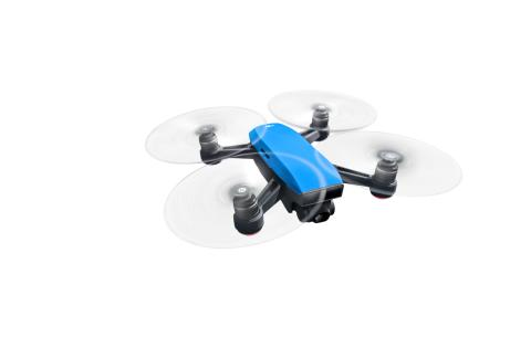DJI Spark Sky Blue - Flying