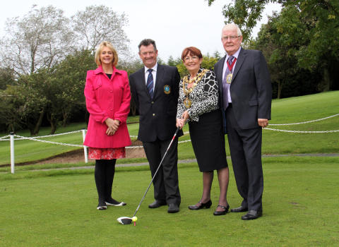 Golfers back mayor's charity day