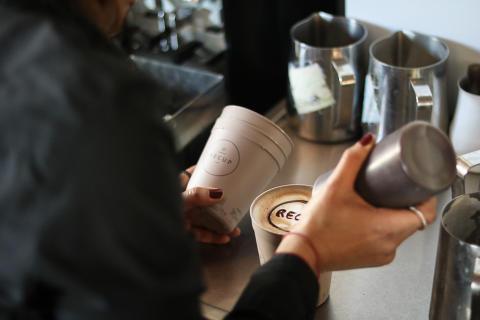 Sylt führt Mehrweg Coffee-to-go Becher ein