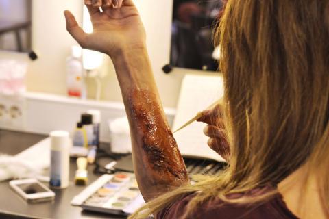 Forberedelser til Halloween på NISS. Foto: Karoline Sætre, student Visuell kunst.