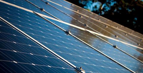 Få bostadsrättsföreningar har solceller trots stort intresse från boende