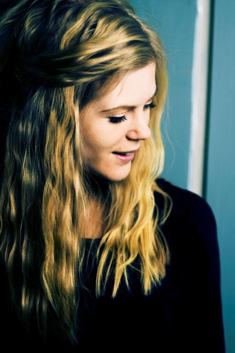 Sångaren Elin-Louise Ahlberg