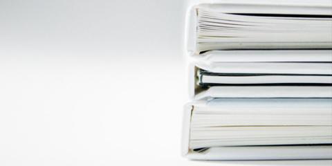 Från tjocka pappersluntor till elektroniska signaturer – en lätt resa, eller?
