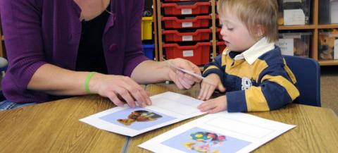 Distansutbildningar från Down Syndrome Education: 0-5 år och 4-16 år - anmäl dig via föreningen!