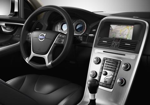 Nu får även Volvo XC60 Pedestrian Detection och nytt infotainment-system