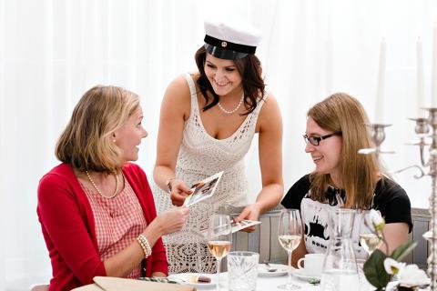 Elämää helpottava vinkki: anna kiitoskortit jo juhlissa!