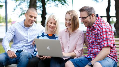 Suomalaisten yritysten digitalisoituminen kiihtyy - Visma Solutions kasvoi 26 %