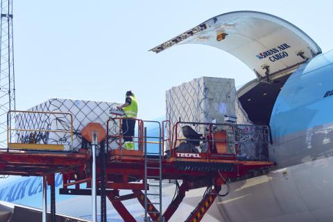 Trafikktall september : flytrafikken fortsetter å øke
