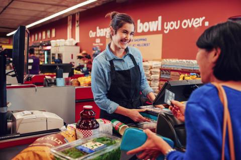 Hvordan kan vanlige butikker forbedre handleopplevelsen med ny teknologi?