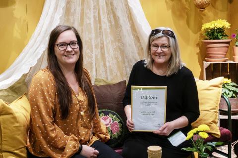 Mor och dotter vann pris för Nolia Trädgårds bästa balkong