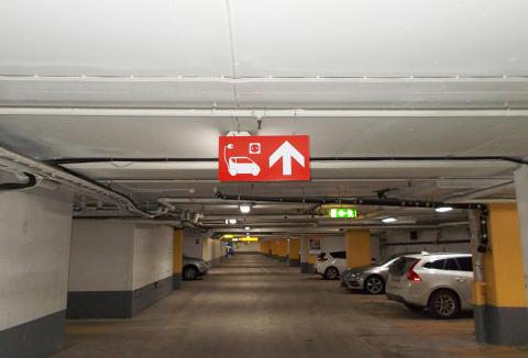 Stockholm, Citygaraget: Q-Park har installerat fler laddningsplatser för besökare