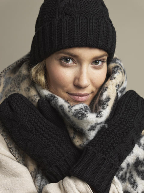 Ladies knitted hat, mittens and scarf 42705-193, 42897-193, 42896-193