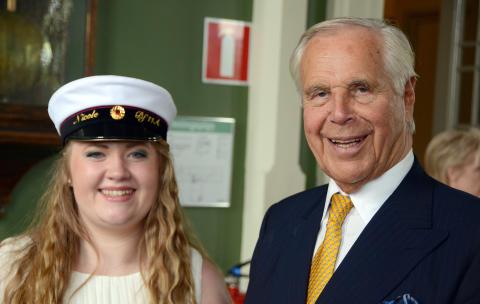 Nicole Kjellberg årets Anders Wall-stipendiat från Katedralskolan i Uppsala