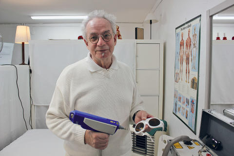 Laserterapeuten som tar bort tatueringar