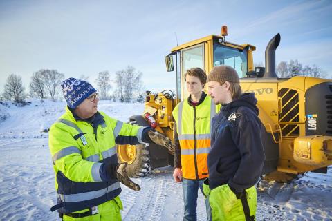 Conny Schedin lärare på Rekarneskolan tillsammans med Linus Lundgren och Viktor Forselius