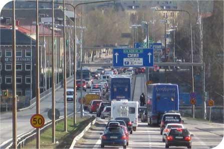 Digitala vägskyltar ger miljöbudskap till trafikanter