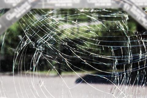 Helsingborgs stad kräver ersättning för krossade fönster