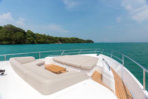 High res image - Princess Motor Yacht Sales - Princess 75 exterior foredeck
