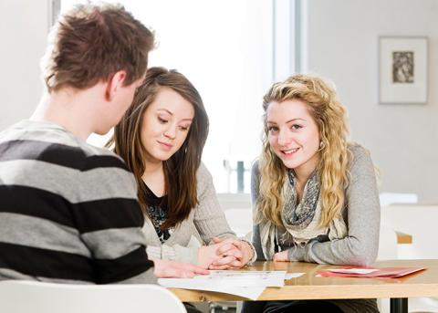 Nya möjligheter för unga som vill satsa på eget företag.