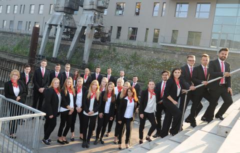 Jung, engagiert, erfolgreich - Bei der Sparkasse Neuss beginnt für 27 Auszubildende die berufliche Zukunft