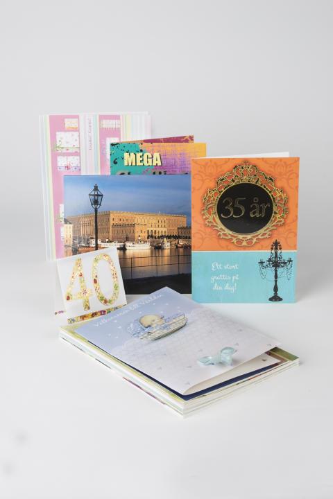 Gratuationskort från förra årets kollektion säljs billigt på matsmart.se