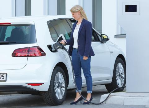 Opladning af elektriske køretøjer ved 350.000 W