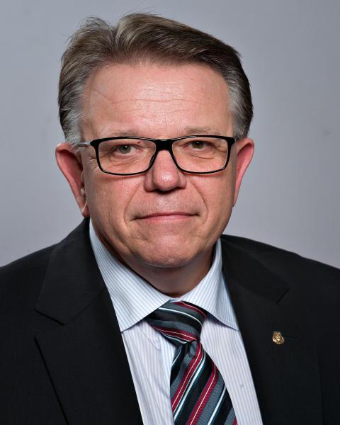 Tommy Ählström (M)
