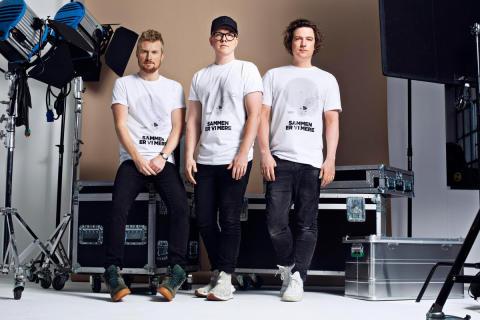 Carpark North designer t-shirt til Muskelsvindfondens Plads til forskelle-pris