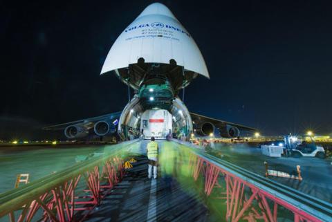 Le satellite EUTELSAT 8 West B arrive à Kourou : décollage prévu le 20 août