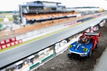 A Ford legendás Le Mans-győzelmei LEGO® kockákból – a jövő versenyzőinek, mérnökeinek és dizájnereinek