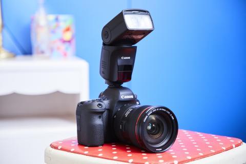 Världens första blixt med AI Bounce – Canon Speedlite 470EX-AI skapar enastående belysning