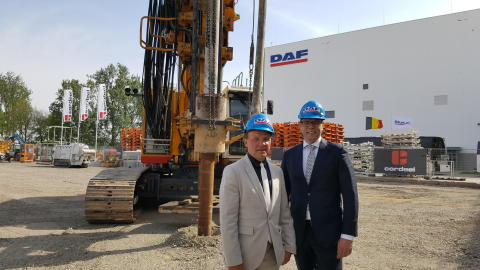 02. Minister Muyters and DAF President Wolters at the building site of the DAF cab factory expansion