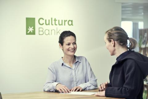 Resepsjonen i Cultura Bank 4