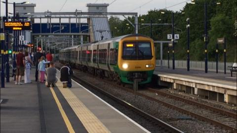 First electric train travels between Birmingham and Bromsgrove