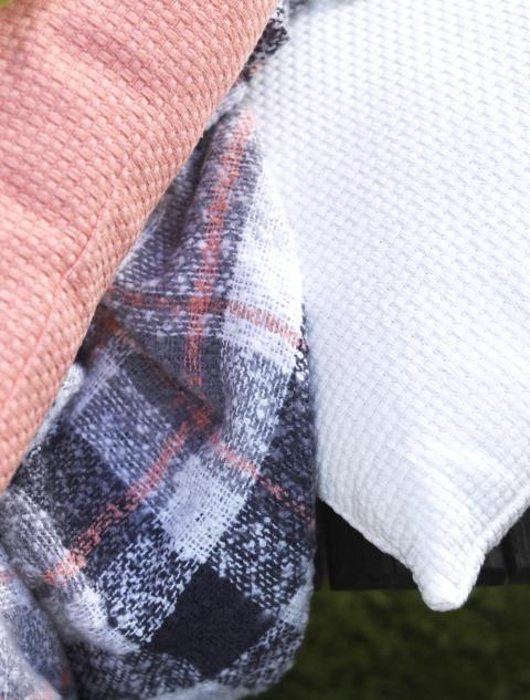 Blanket Emily, Cushion Karlshamn