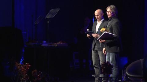 Hedersprisvinner Bengt Erik Hammarström fra Comfort Hotel Holberg, sammen med Arne Haugen fra Nordic Choice Hotels.