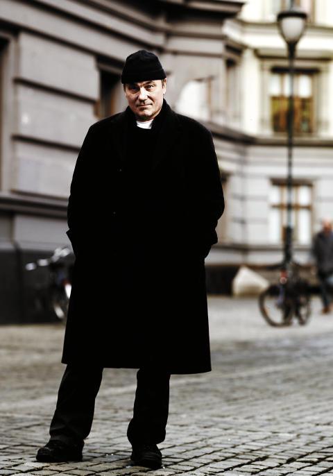 Bjørn Sundquist regisserer Røff
