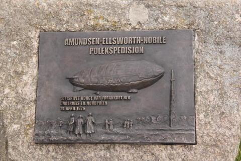Amundsen-minnesmerket kommer på plass