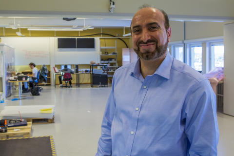 Reza-Emami, professor i rymdtekniska system vid Luleå tekniska universitet