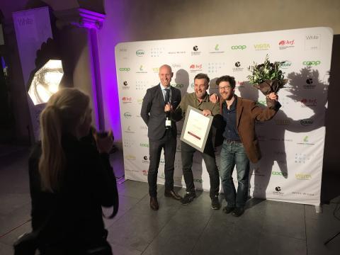 Årets smakutvecklare i livsmedelsbranschen 2018, Roots of Malmö, med Anders Canemyr, tf vd Livsmedelsföretagen
